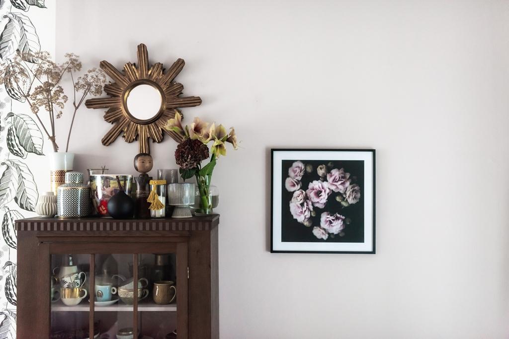 Inspiration im Rahmen Poster Dark Blossom